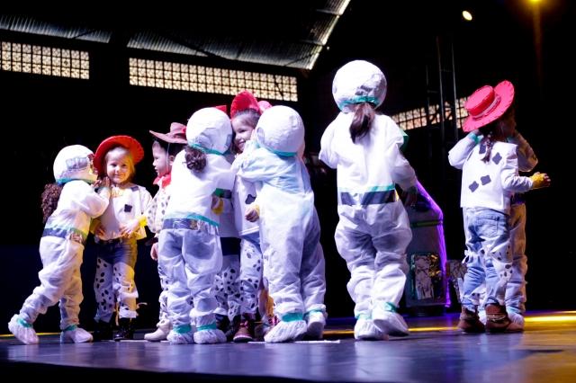 Festival de Dança Escolar reúne 300 alunos do município